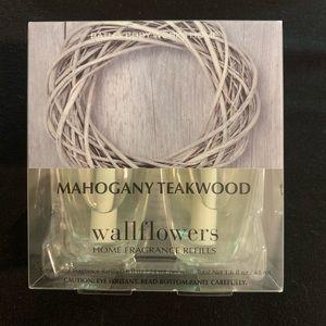 Mahogany Teakwood Wallflowers